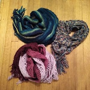 Set of 3 multicolored scarves